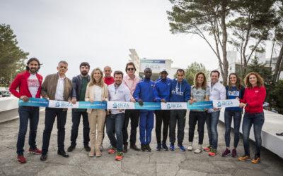 La feria del Ibiza Marathon abre sus puertas para recibir a todos los corredores y visitantes