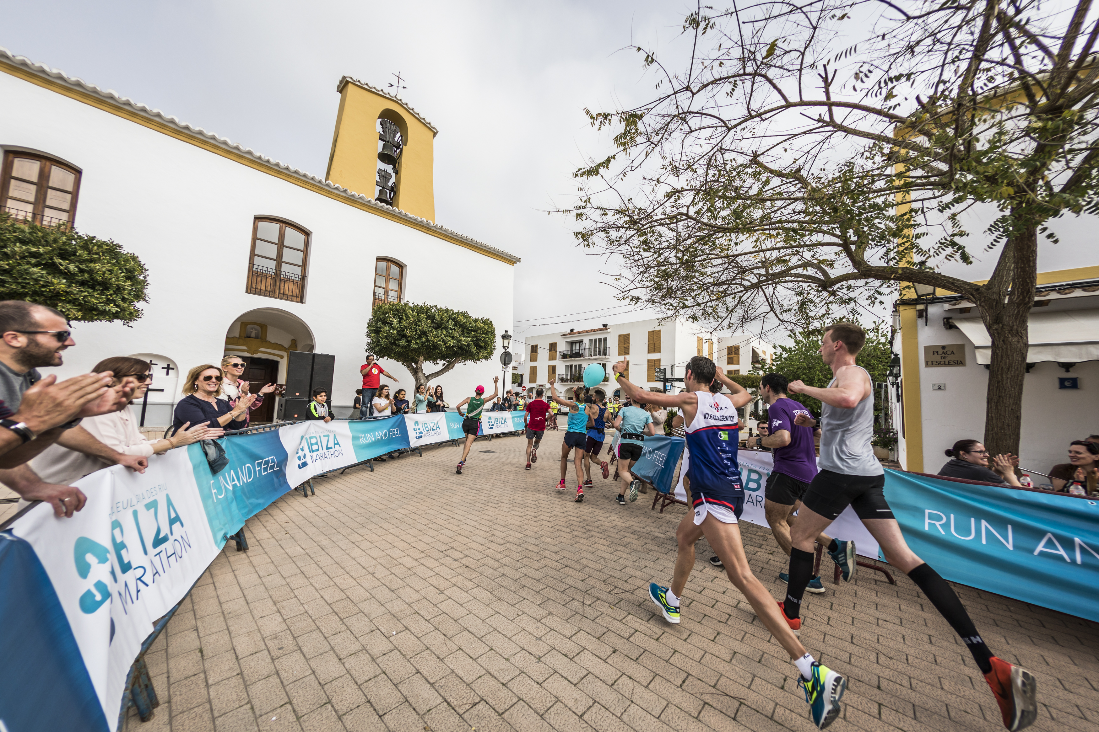 Ibiza Marahton runners