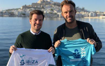 El Ibiza Marathon hace entrega de la aportación benéfica a su entidad solidaria Proyecto Juntos